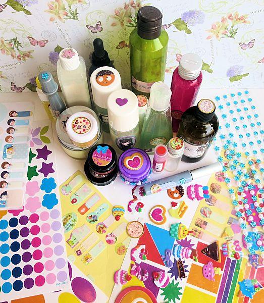 abbastanza Decorare i cosmetici fai da te con etichette e adesivi  VA04